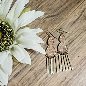 Jewelry - Gold and pink shimmer earrings